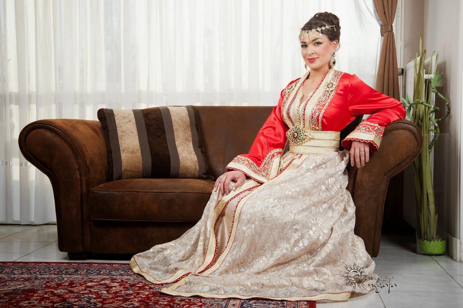 Magnifique takchita en rouge et blanc