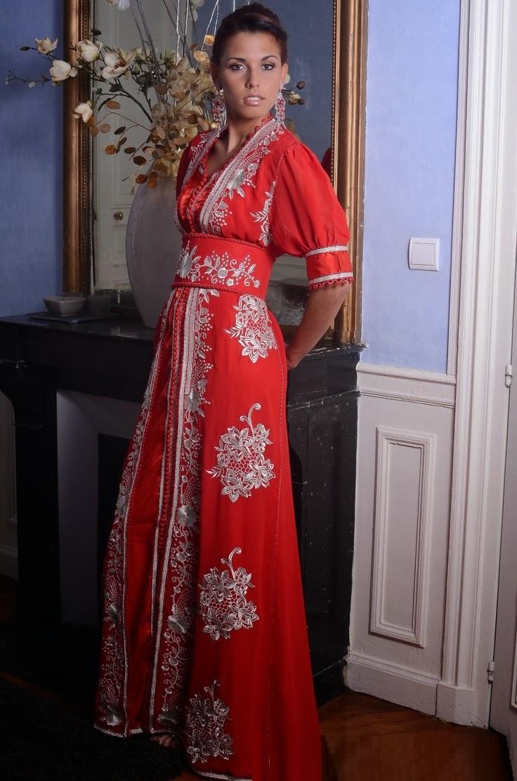 Takchita marocaine rouge et blanc très élégant