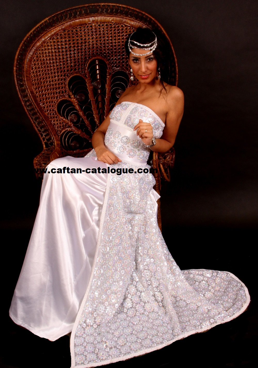 caftan de mariage haute couture prix moins cher caftan catalogue. Black Bedroom Furniture Sets. Home Design Ideas