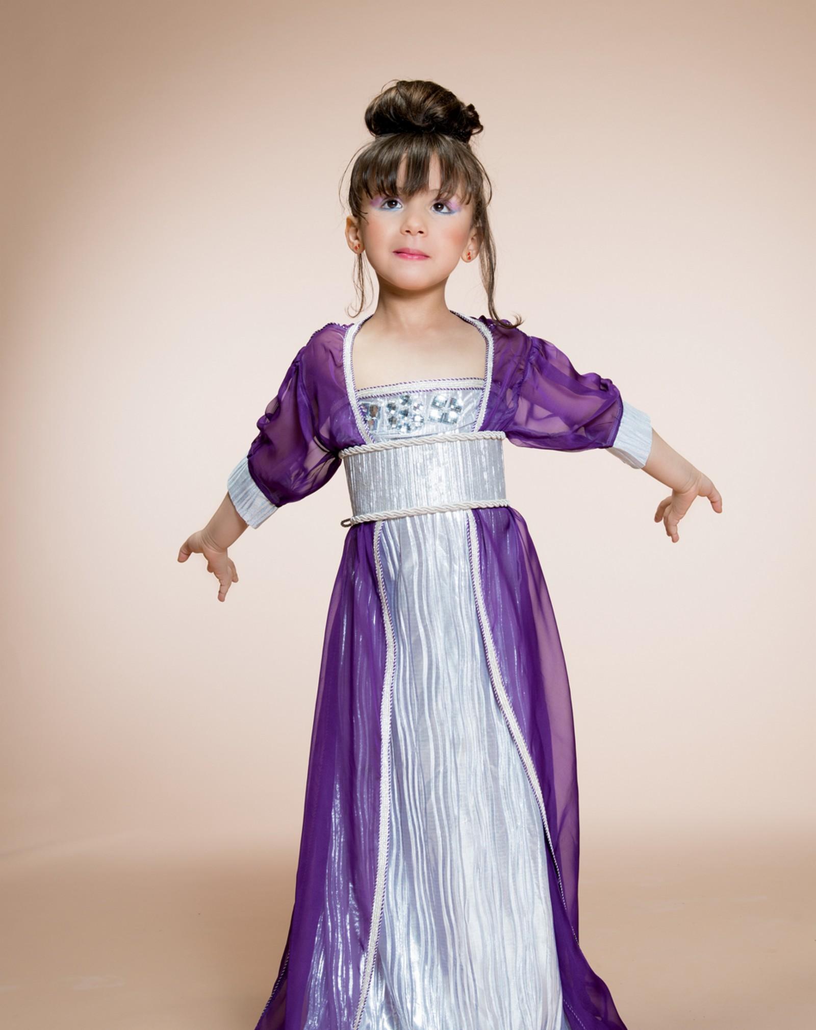 Caftan petite fille vendre sur mesure pas cher caftan for Photo modele