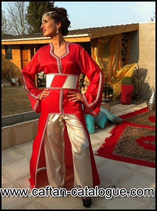 Takchita rouge avec pantalon doré