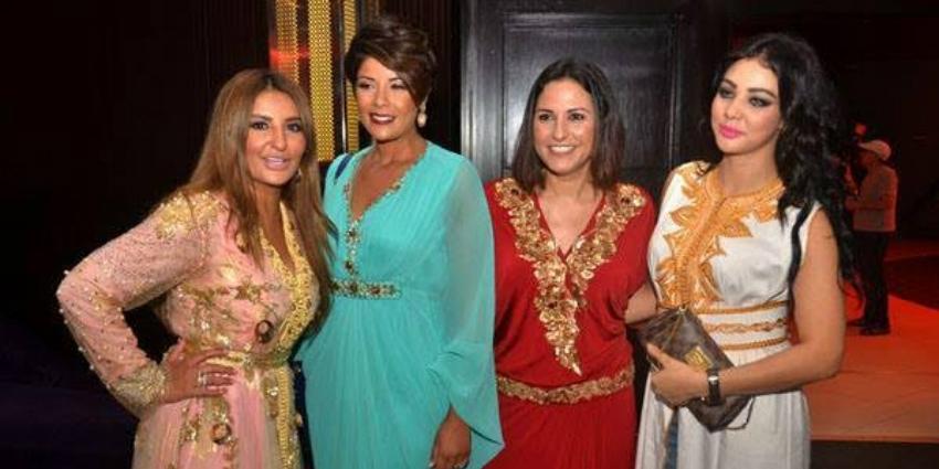 caftan marocain porté par des stras marocain