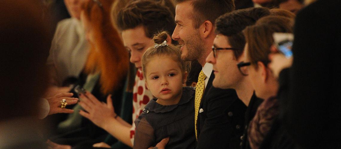 Filles de Beckham avec une robe caftan marocain