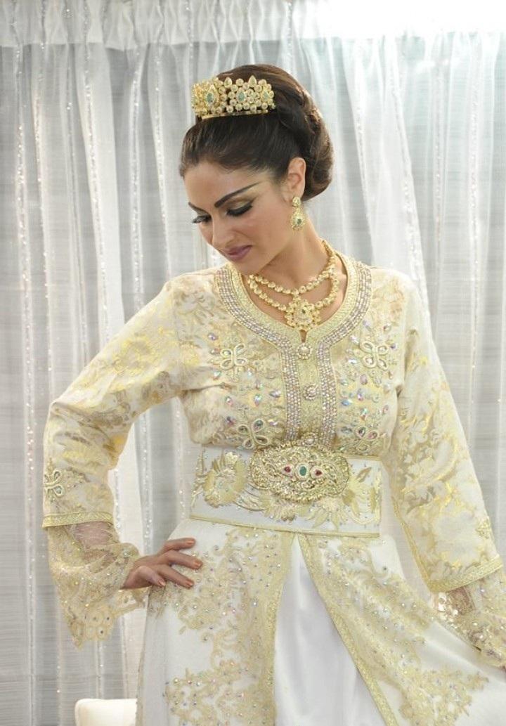 caftan mariee en beige design marocain