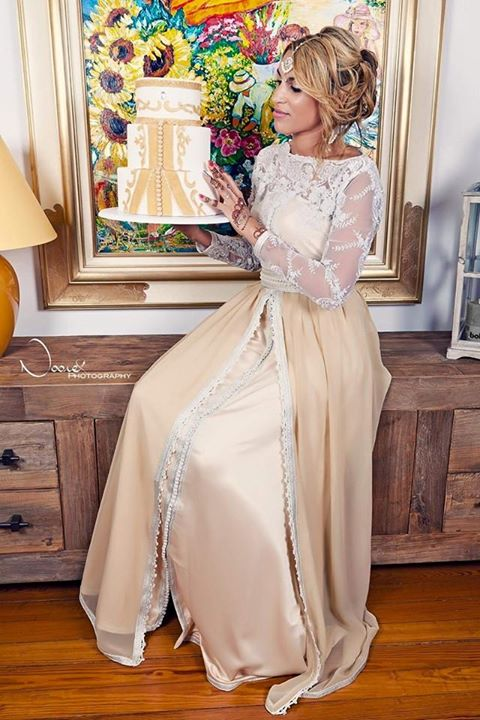 caftan marocain de haut couture design moderne