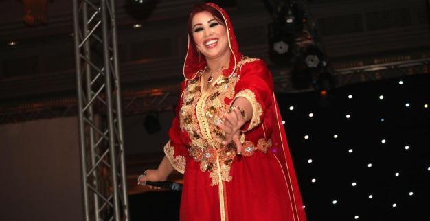 star en caftan marocain rouge
